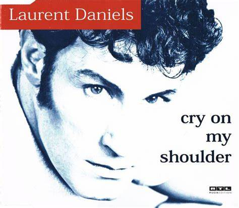 经典歌曲《Cry on my shoulder》《在我的肩上哭泣》中英文对照歌词
